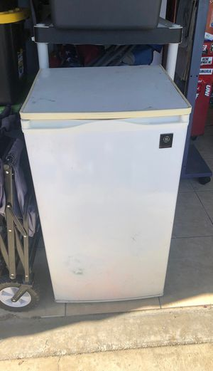 GE Refrigerator for Sale in Fresno, CA