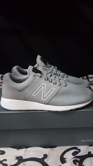 NEW BALANCE LIMITED 24 MEN'S LOW TOP SIZE 9 DARK GREY GREY BRAND NEW WITH OUT A BOX SERIOUS BUYER'S ONLY for Sale in Huntington Park, CA