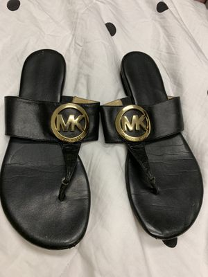 Used Michael Kors black sandals size 7.5 for Sale in Canton, MA