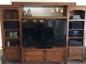 Wall unit/ Tv unit for Sale in Dunedin, FL