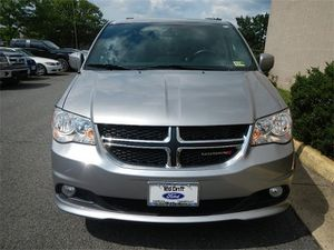 2017 Dodge Grand Caravan SXT for Sale in Fairfax, VA