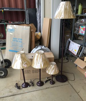 4 piece lamp set for Sale in Kingsburg, CA