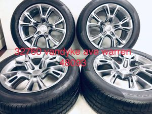 """20"""" Jeep Grand Cherokee wheels and tires 20x10 with pirelli run flat 99% package deal 1499.00 only for Sale in Macomb, MI"""