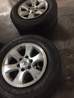 Toyota 4 Runner Rims Set of 4 with used tires for Sale in San Diego, CA