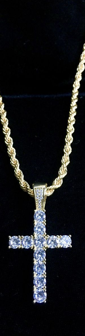 EXCLUSIVE CROSS 18K GOLD FULL DIAMONDS CZ NEW CHAIN MADE IN ITALY! for Sale in Beverly Hills, CA