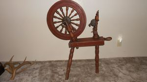Antique Spinning Wheel / Hand Spin for Sale in Aberdeen, WA