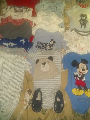 20 Baby boy clothes, 1 basinet , 1 can of formula and size 2 diapers(96) for Sale in Mesa, AZ