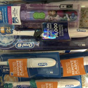 Oral B Toothbrush for Sale in Falls Church, VA
