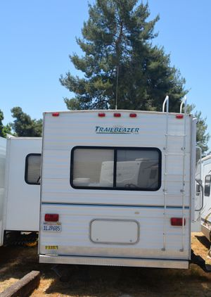 28' 2005 KOMFORT TRAILBLAZER for Sale in Banning, CA