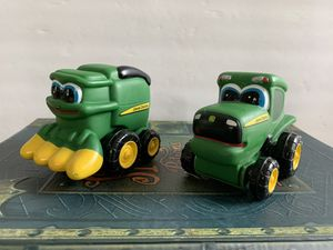JOHN DEERE TRACTOR AND SCOOPER TRUCK- APPRX 4 INCHES ! CLEAN!! for Sale in Modesto, CA