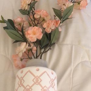 Vase/flowers for Sale in Columbus, OH