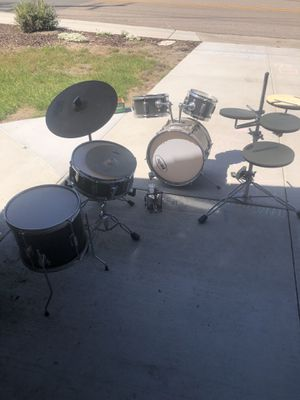 Drum set for sale. $70 or best offer. The practice pads are no longer available with the drum set. for Sale in Spring Valley, CA