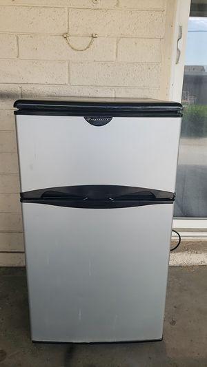 Mini Refrigerator Frigidaire regular condition Tested for Sale in Phoenix, AZ