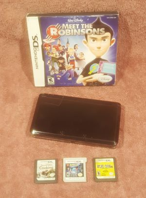 REALLY NICE NINTWNDO 3DS VIDEO GAME SYSTEM BUNDLE for Sale in Tucson, AZ