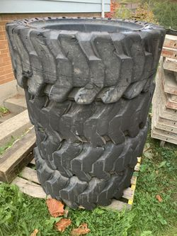 Solid Rubber Bobcat Tire for Sale in Glenview,  IL