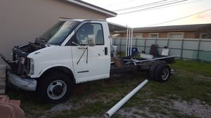 Gmc ,chevy , door, mirror, differential,parts for Sale in Hialeah, FL