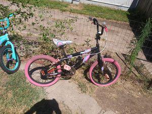 18 in girls bike for Sale in Wichita, KS