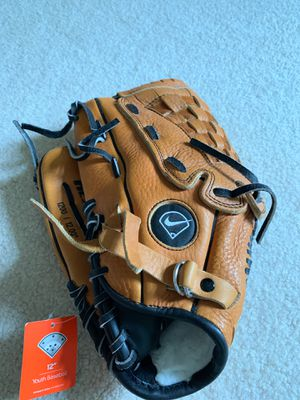 Nike Youth Baseball Glove for Sale in Morrisville, PA