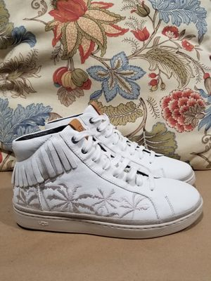 Ugg Australia Men's Cali Lace High Fringe Palms Sneakers Leather Lace Up Size 10 & 10.5 for Sale in Hartford, CT
