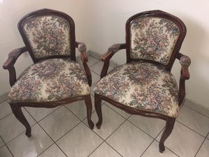 2 antique chairs in wood for Sale in Miami, FL