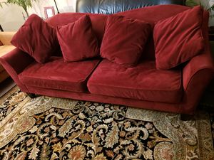 Couch excellent condition for Sale in Lynnwood, WA