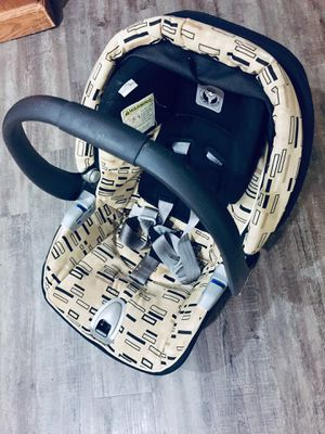 Infant car seat for Sale in Little Rock, AR