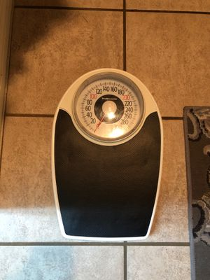 Bathroom scale for Sale in Katy, TX