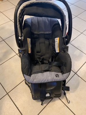 Baby Trend Car Seat with Base for Sale in Albuquerque, NM
