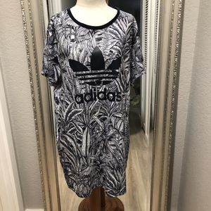 ADIDAS WATER JUNGLE T-SHIRT DRESS for Sale in Shoreline, WA
