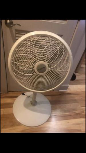 Oscillating adjustable fan for Sale in Washington, DC