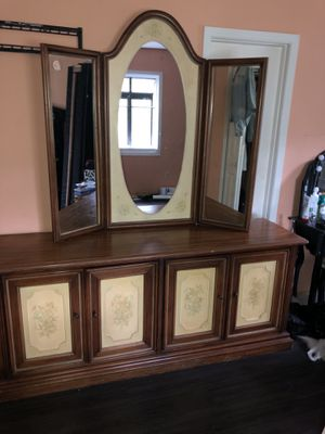 Antique bedroom set. Over 30 years old. for Sale in Willingboro, NJ