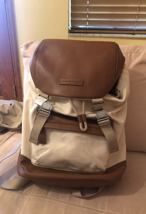 Tommy Hilfiger back pack for Sale in Miami, FL