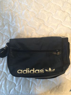 Adidas messenger bag for Sale in Carson, CA