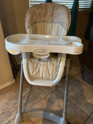 High Chair with Tray Linear-Evenflo $25.00 for Sale in Gilbert, AZ
