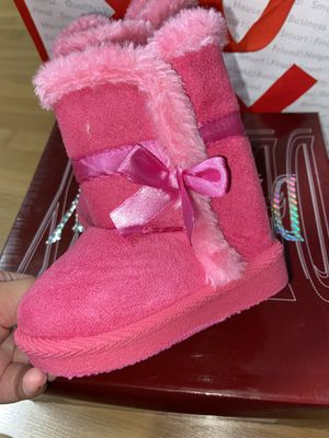 BABY GIRL CLOTHES BOOTS for Sale in Hacienda Heights, CA