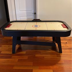 Air Hockey Table for Sale in Farmingdale,  NY