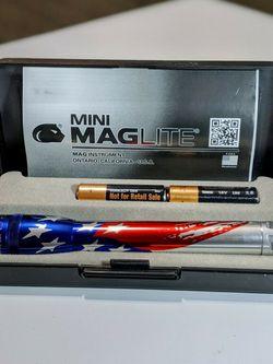Maglite Mini Incandescent 2-Cell AA Flashlight in Presentation Box, Flag-Lite for Sale in Jonesboro,  AR