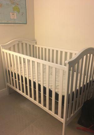 Brand- new white baby crib for Sale in Miami, FL