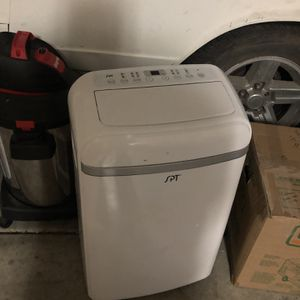 Air conditioner and dehumidifier for Sale in North Las Vegas, NV