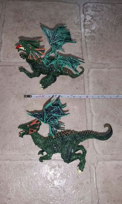2 Fantasy Mythical Green Dragons Plastic Figure Toys (6 points of articulations) for Sale in Lynnwood,  WA