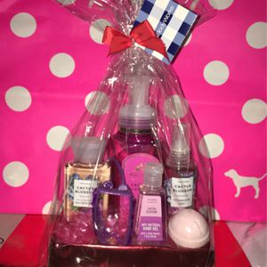 Happy Valentines Day Cactus Blossom Gift Set for Sale in Rosemead, CA
