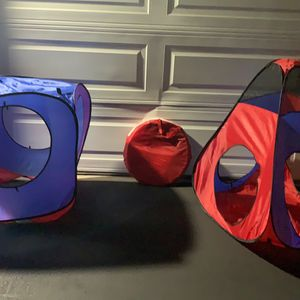 Kid Play Tent And Tunnel. Pick Up In Rancho for Sale in Rancho Cucamonga, CA