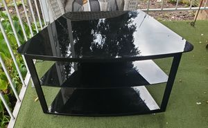 Glass TV stand gd condition $40 for Sale in Detroit, MI