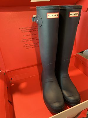 Brand New Women's Hunter Tall Rain Boots Size 9 for Sale in Bell Gardens, CA