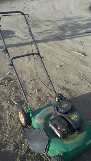 Weed Eater brand lawn mower for Sale in Pearblossom, CA