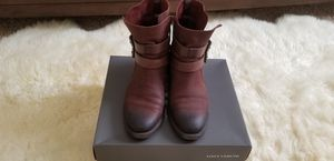 Vince Camuto Leather Ankle Boots 8M for Sale in Boynton Beach, FL