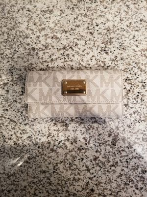 Michael Kors Wallet for Sale in Hilliard, OH
