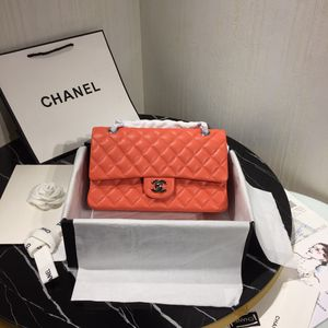 Chanel bag / actual pics / size M for Sale in Patterson, CA