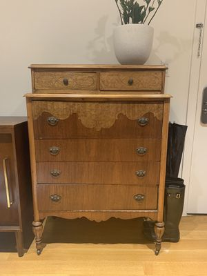 1940's dresser- great condition for Sale in Brooklyn, NY
