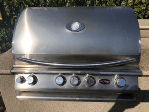 bbq island all grills and burners have been recently replaced paid over $500 for that alone for Sale in Alameda, CA